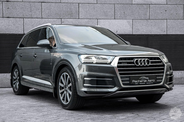 Современное Audi Q7