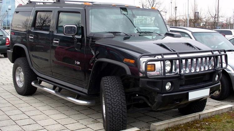 Черный Hummer Брежневой