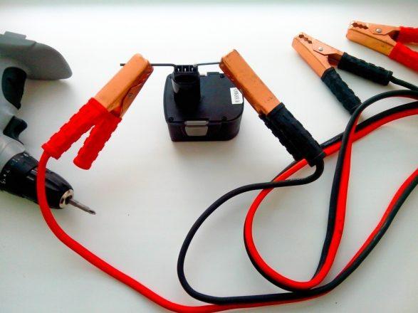 Инструменты для подзарядки АКБ