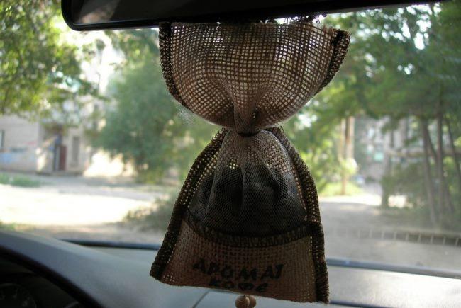 Кофе в мешочке в машине