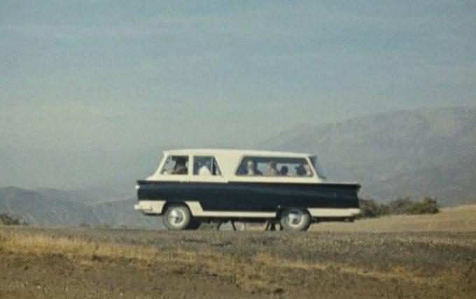 Автобус из фильма «Кавказская пленница»