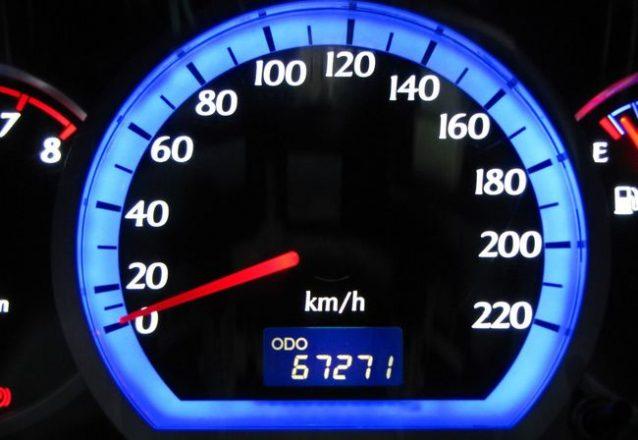 Одометр автомобиля