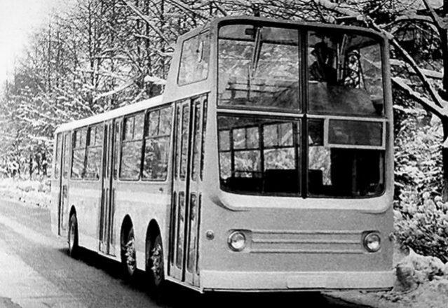 Советский автобус НАМИ-0159