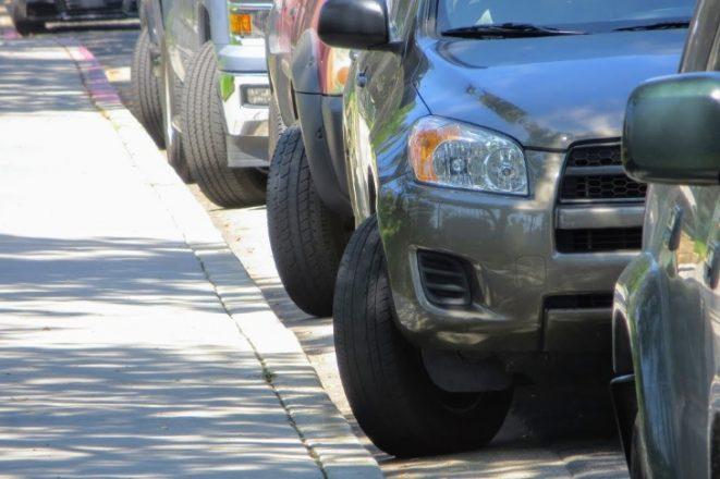 Поворот колес при парковке