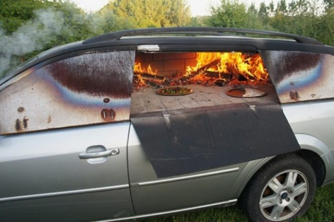 Дровяная печка в машине