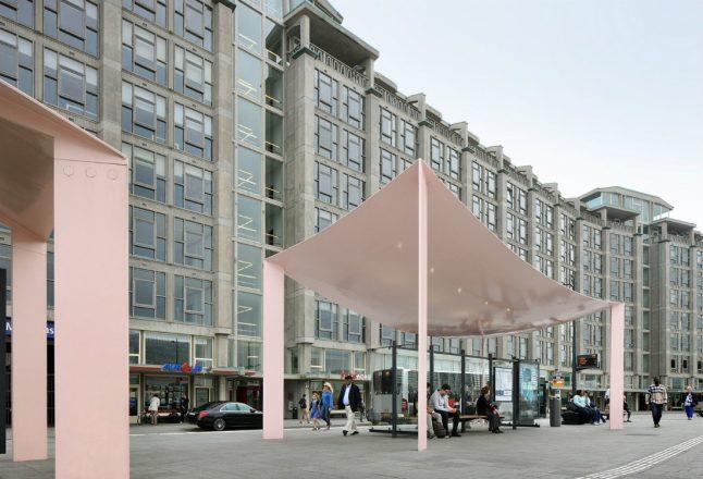 Автобусная остановка в Роттердаме