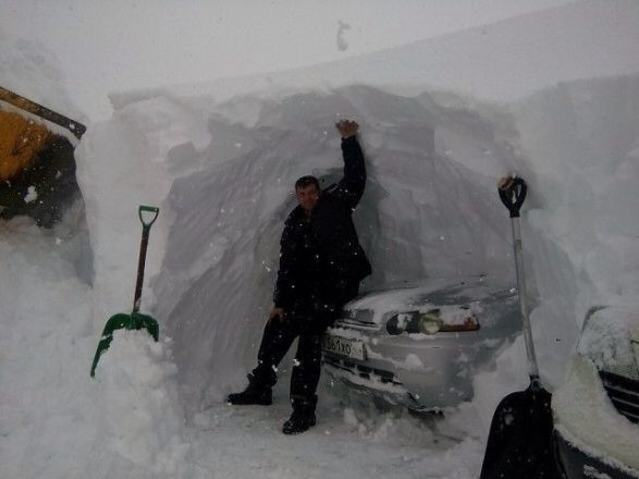 Снежный гараж