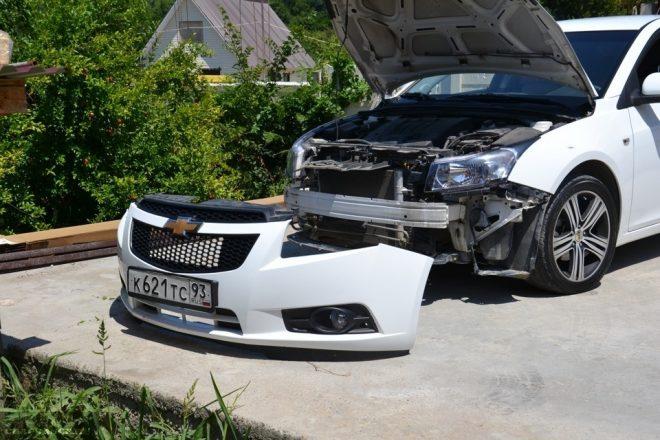 Снятый бампер авто