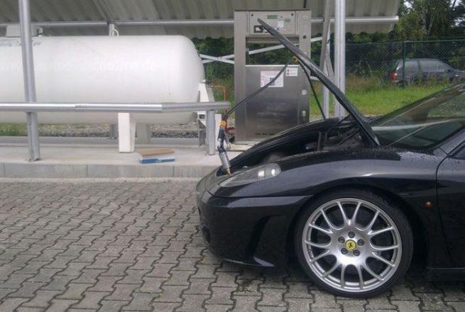 Ferrari с газовой установкой