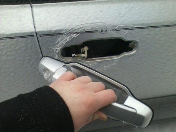 Отломанная ручка двери
