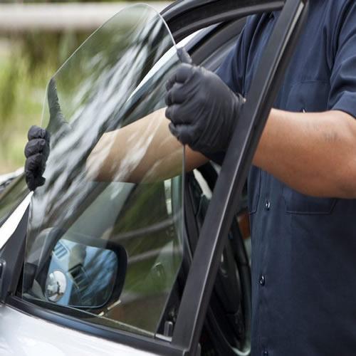 установка бокового стекла авто