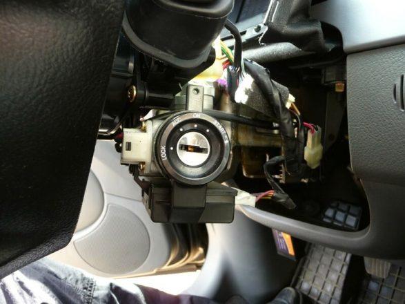 Принцип работы иммобилайзера заключается в блокировании программы ЭБУ двигателя