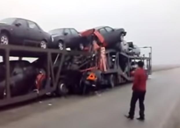 Автовоз попал в аварию