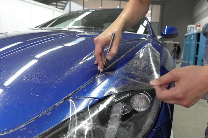 Покрытие пленкой автомобиля