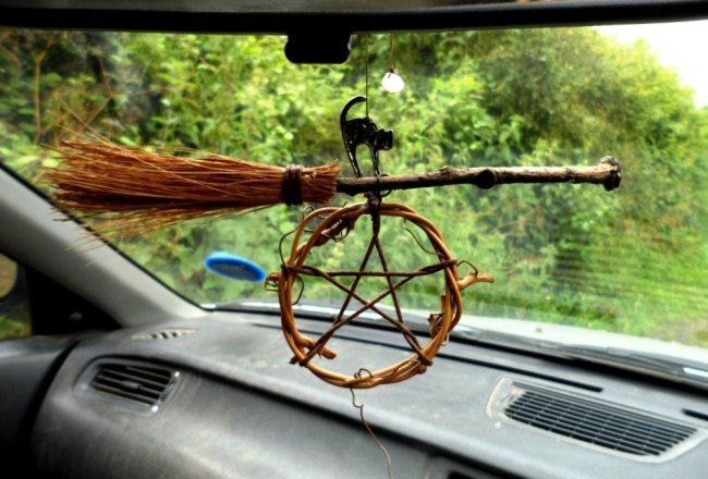 Суеверия водителей