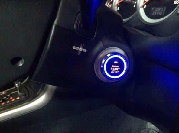 Кнопка старт стоп с бесключевым доступом