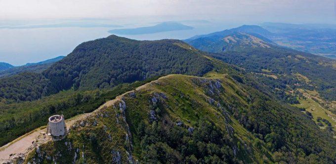 Дорога в горах Хорватии