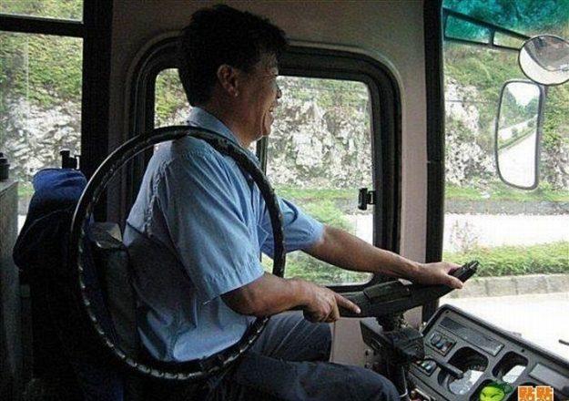 Китаец снял руль