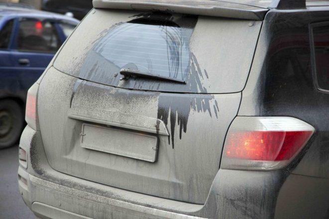 На грязной машине не видно номера