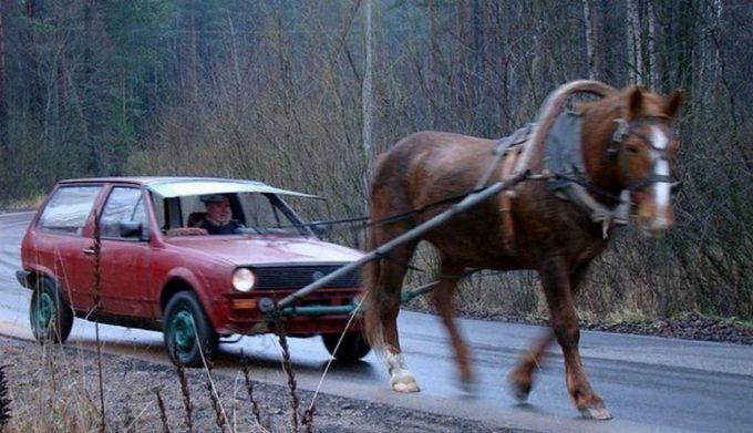 Машина в упряжке
