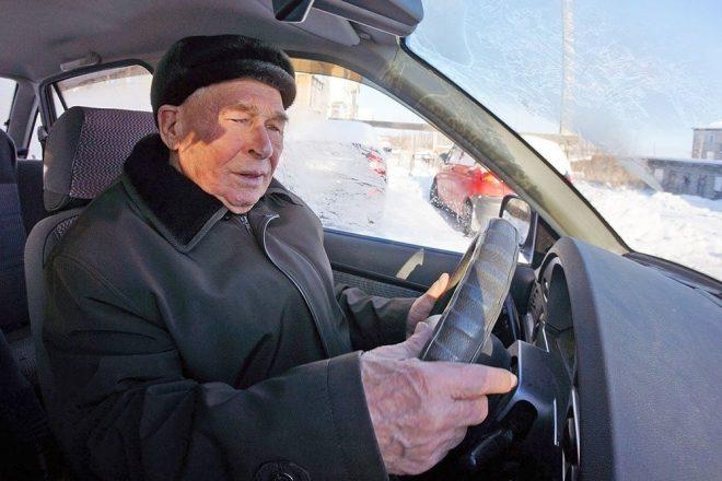 Аркадий Чудиновских за рулем