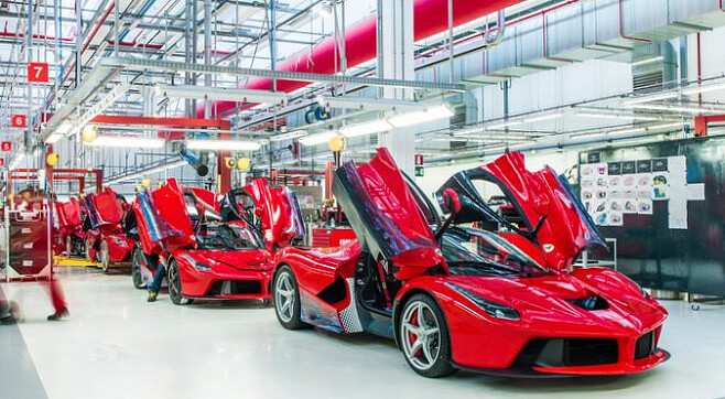 Машины на заводе