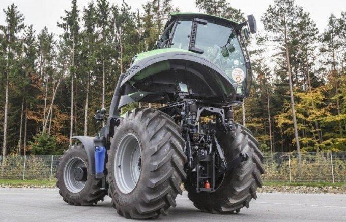 Трактор Агротрон