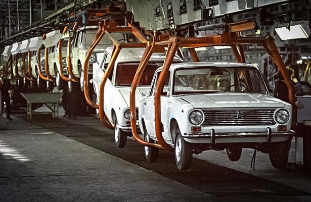 ВАЗ-2101 на конвейере завода