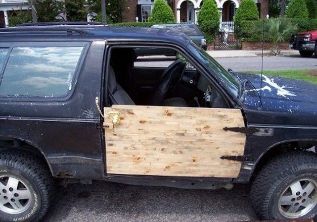 Дверь из фанеры в авто