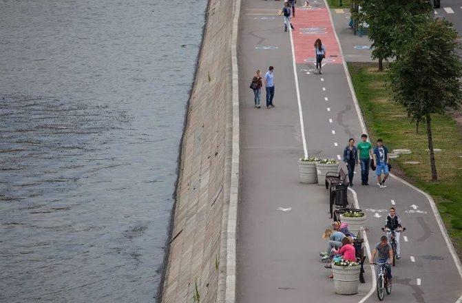 Пешеходная и велосипедная дорожка