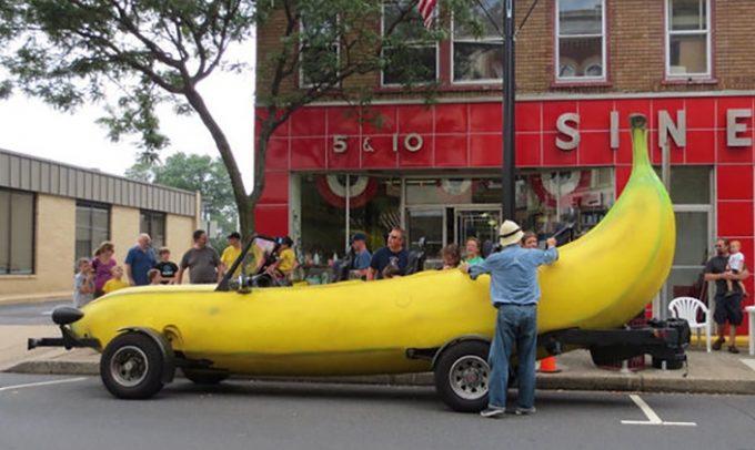Автомобиль-банан