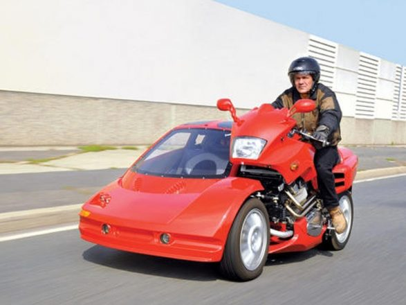 Гибрид мотоцикла и автомобиля