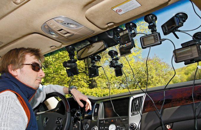 Видеорегистраторы в машине