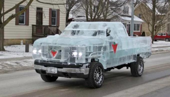 Ледяной автомобиль