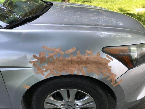 Лейкопластыри на кузове авто