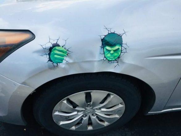 Нарисованный Халк на кузове авто