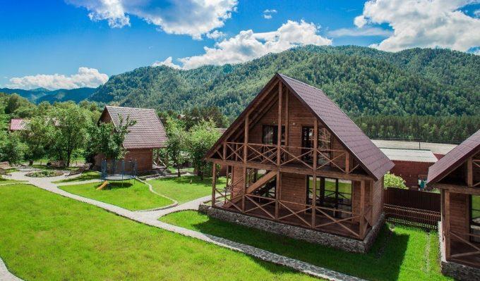 Домик для гостей в алтайском селе