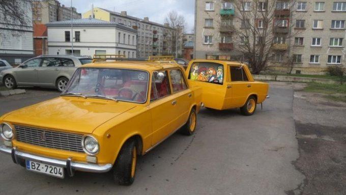 ВАЗ-2101 с прицепом из половины машины