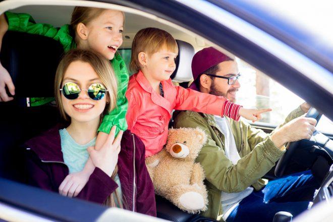 Семья в машине