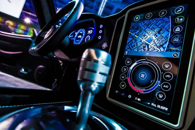 Электроника в салоне авто