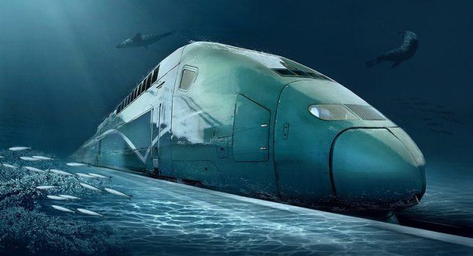 Поезд едет по дну моря