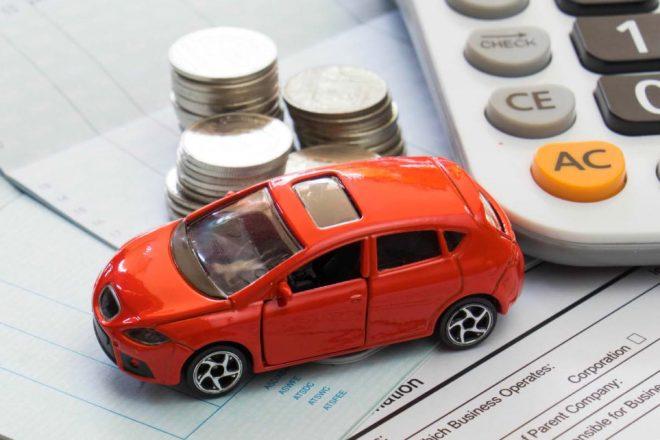 Машинка, калькулятор и монеты