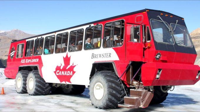 Автобус-вездеход из Канады