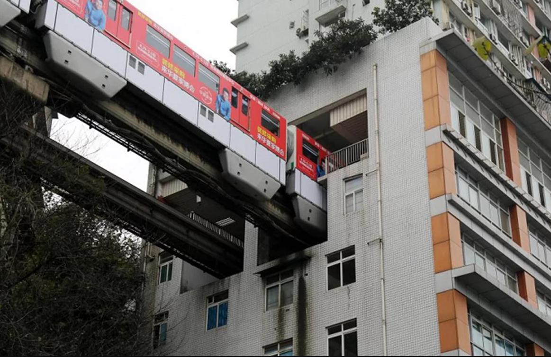 Проезд в здании