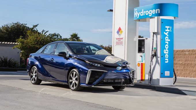 Toyota Mirai на водородном топливе.