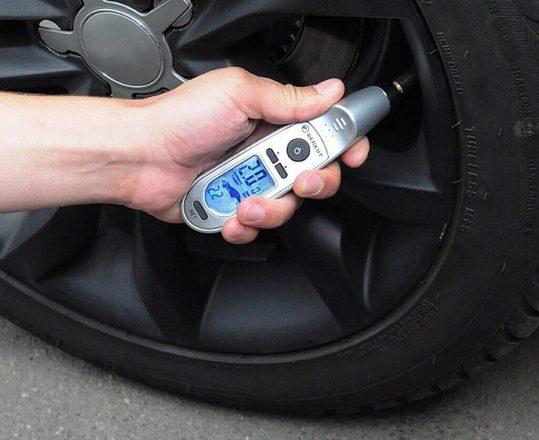 измеритель давления в шинах