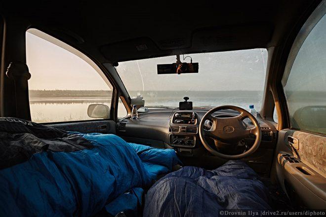 как ночевать зимой в машине