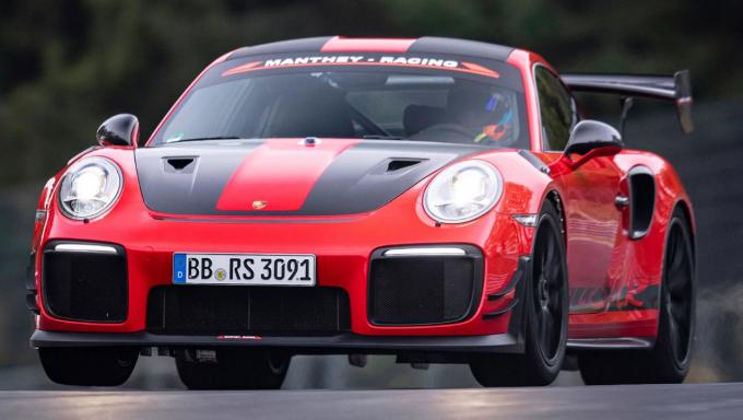 Porsche 911 GT2 RS MR-911.2.