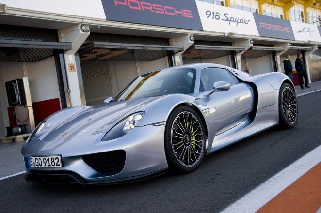Porsche 918.