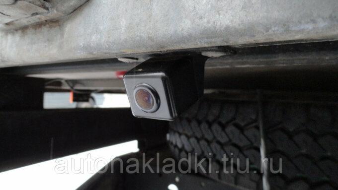 камера заднего вида на бампере